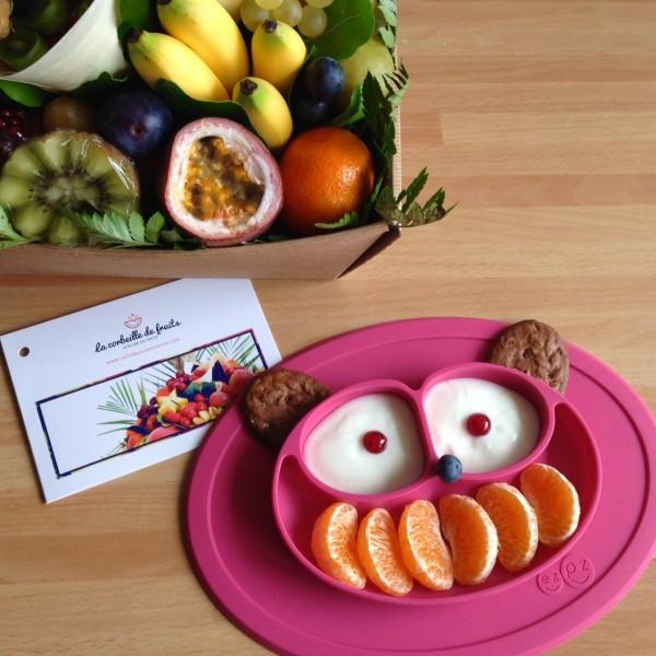 Goûter avec la corbeille de fruits