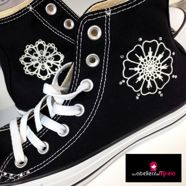 Custo_Converse_noirH_fleurs
